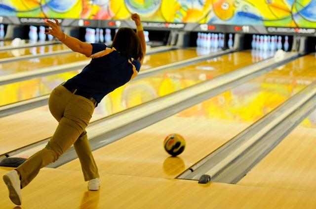 Throwing Games bowling